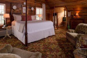 Penthouse Suite at Glen-Ella Springs Inn