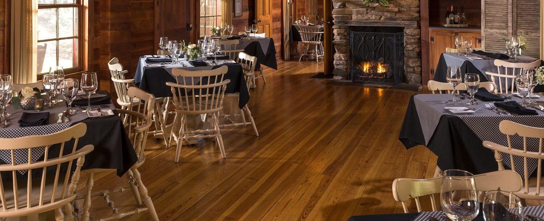 restaurant interior dinning room