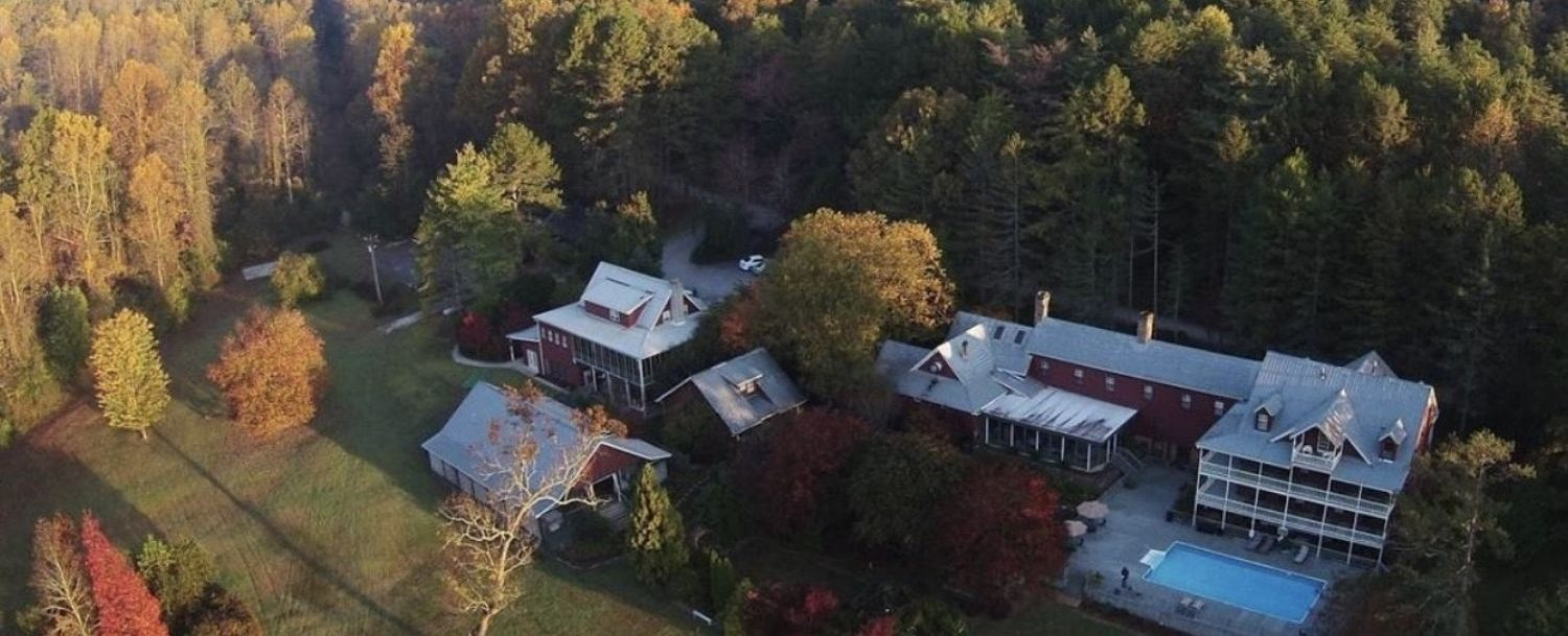 Exterior aerial view of Glen-Ella Springs Inn