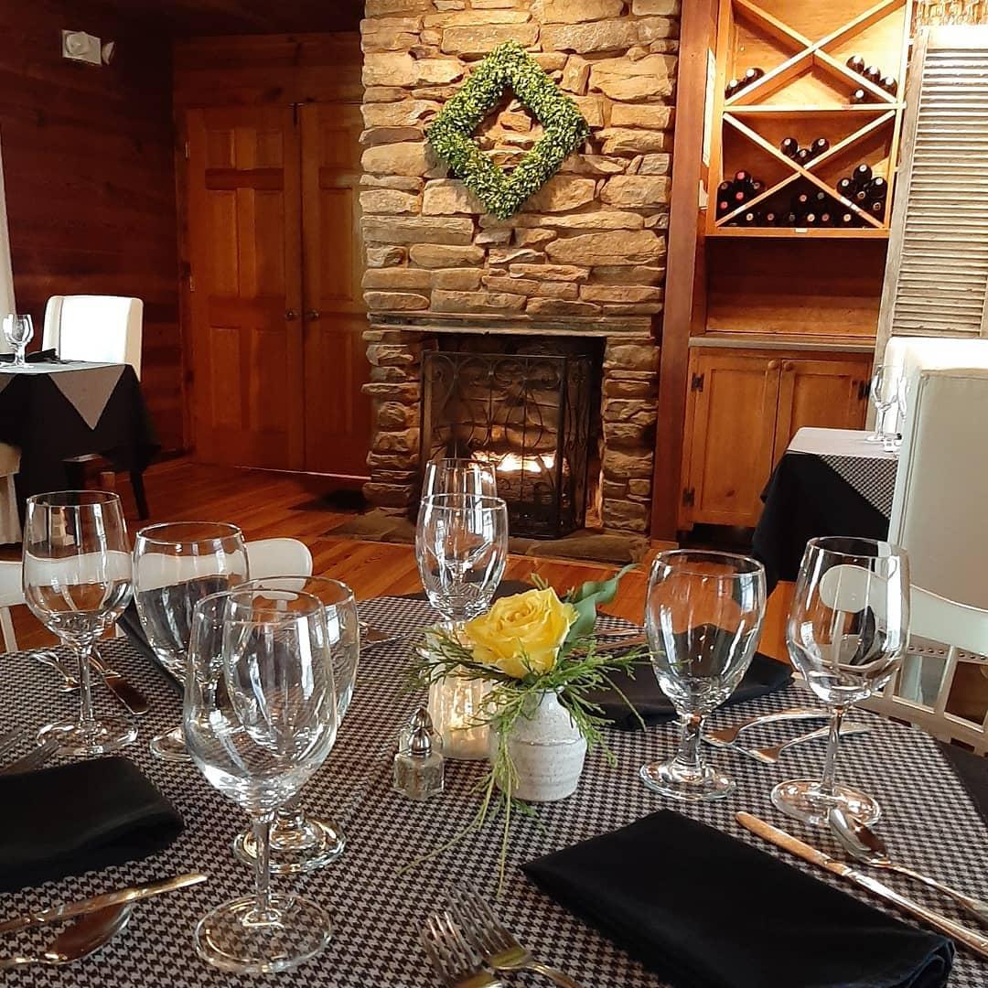 Glen-Ella Springs Restaurant Reviews